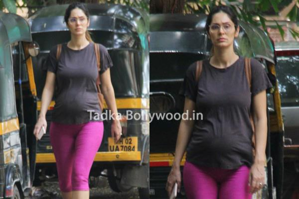 pregnant bruna abdullah spotted at juhu
