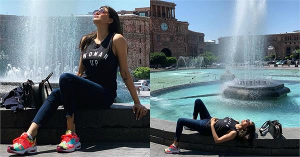 sushmita sen share holiday picture with boyfriend rohman shawl