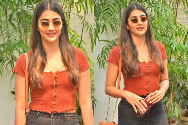 pooja hegde show swag in her latest pictures
