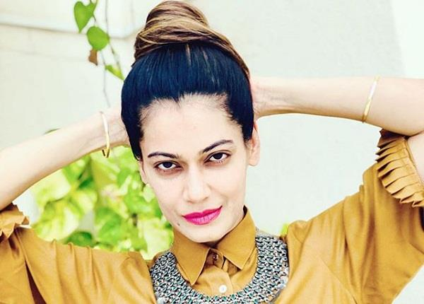 payal rohatgi lashes out at mumbai police