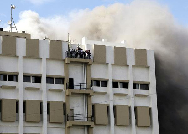 mumbai a level 4 fire has broken out in mtnl building in bandra