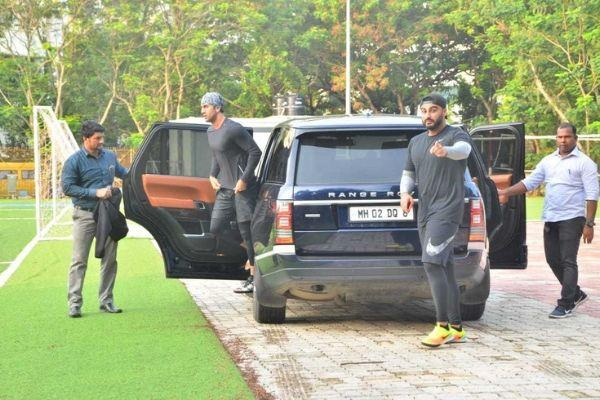 ranbir kapoor and arjun kapoor play football in ground