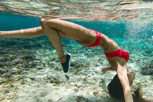 erica fernandes enjoy underwater swimming in maldives
