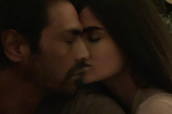 arjun rampal gabriella demetriades romantic picture goes viral
