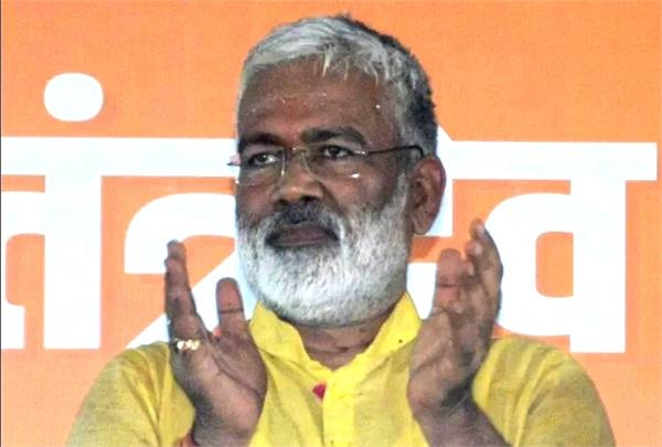 new bjp state president seen avoiding questions related to unnao case