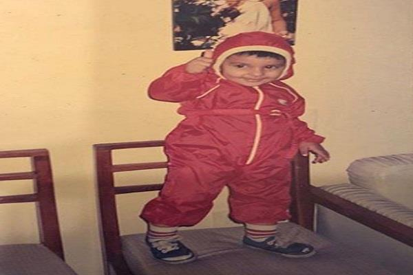 ranveer singh shares childhood photo on insta