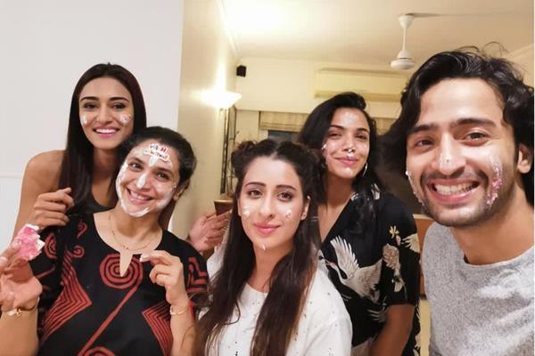 erica celebrate on screen mother supriya birthday with ex boyfriend shaheer