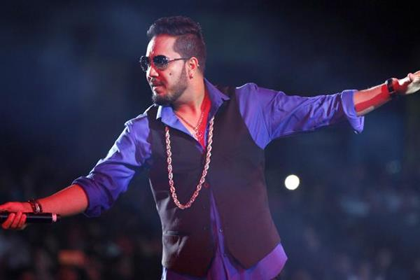 aicwa bans and boycotts mika singh after his performance in pakistan
