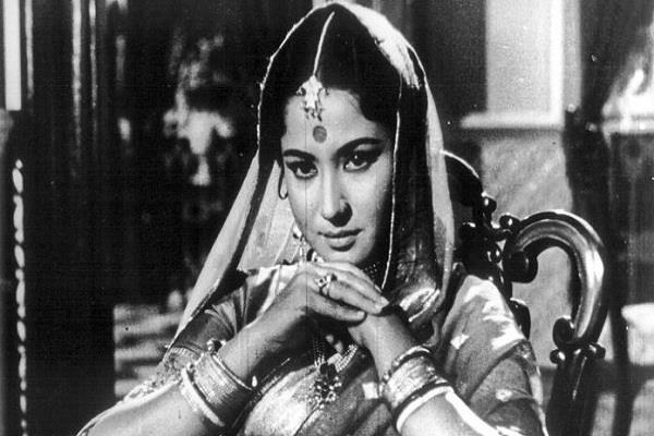 bollywood actress meena kumari birthday special tragedy queen kamal amrohi