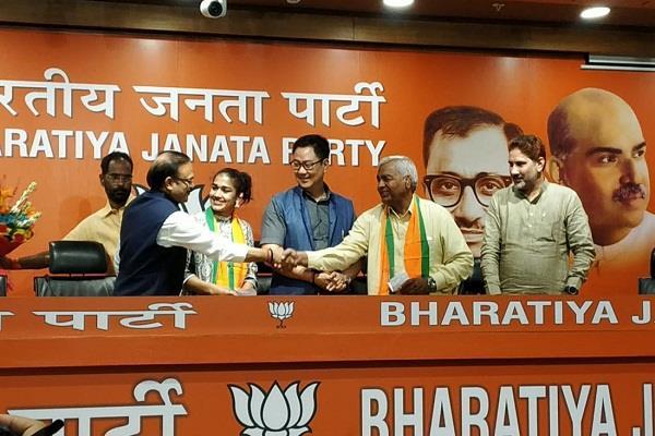 mahavir phogat and babita phogat will join bjp