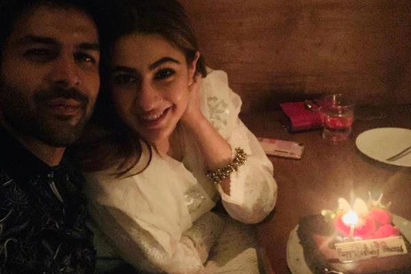 sara ali khan celebrate her birthday with kartik aryan in bangkok