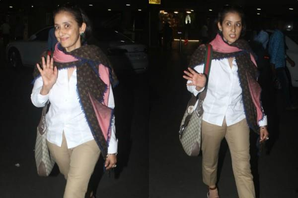 manisha koirala spotted at airport