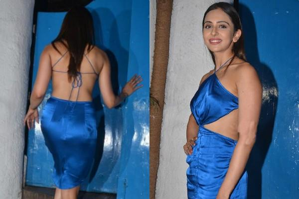 rakul preet singh attend nikkhil advani party in mumbai