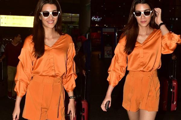 kriti sanon spotted at mumbai airport