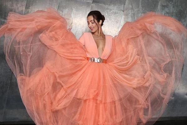 malaika arora looks gorgeous in peach gown