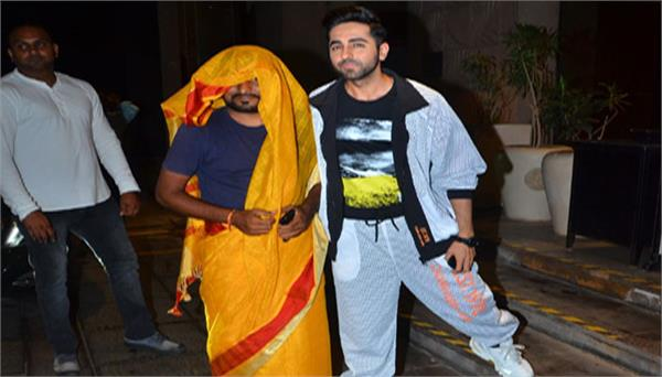 dream girl ayushman fans wear saree in his party