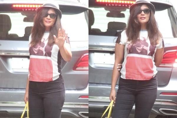 richa chadda spotted at saloon