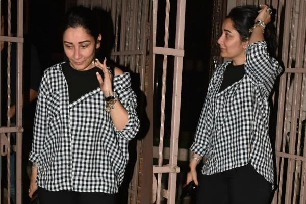 manyata dutt at recording studio bandra
