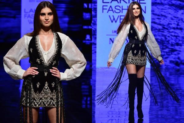 tara sutaria on ramp at lakme fashion week 2019