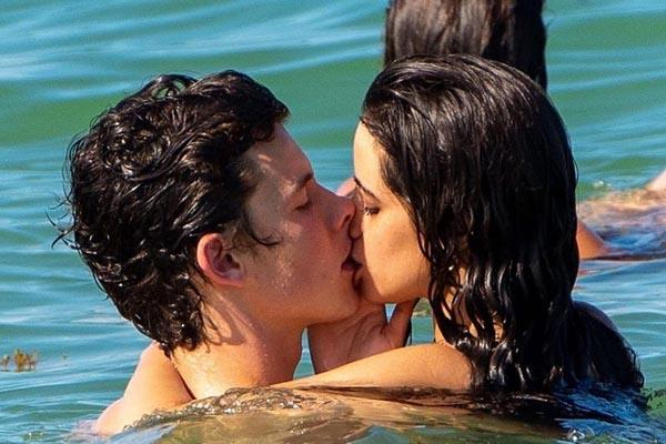 camila cabello shawn mendes kiss picture goes viral