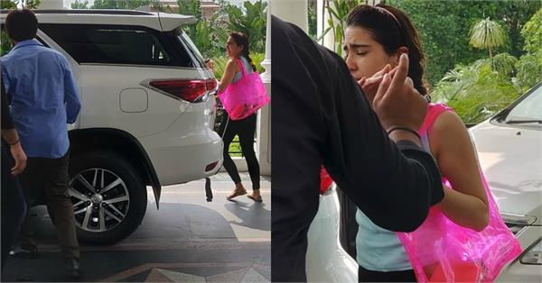 sara ali khan spotted at lucknow with kartik aaryan