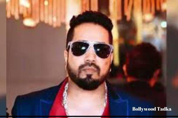 mika singh share a video after pakistan stage show
