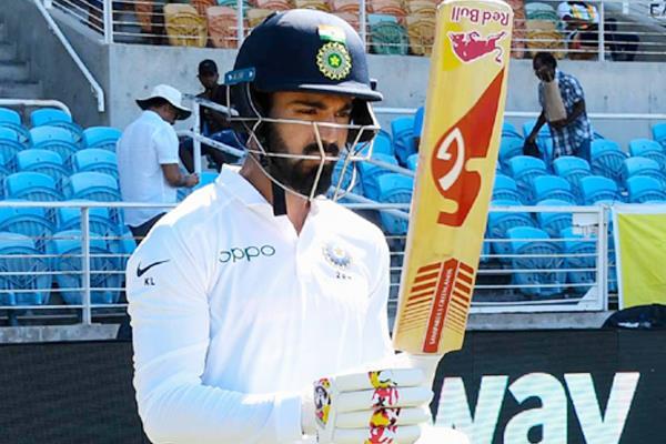 kl rahul complete 2000 runs in test cricket