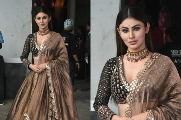 mouni roy looks beautiful in traditional outfit