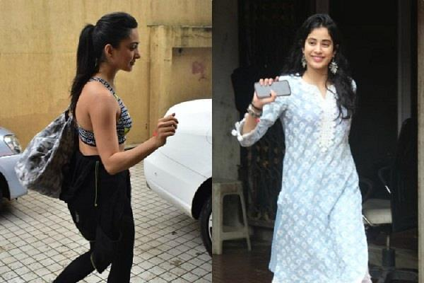 janhvi kapoor kiara advani hits towards gym in rainy season