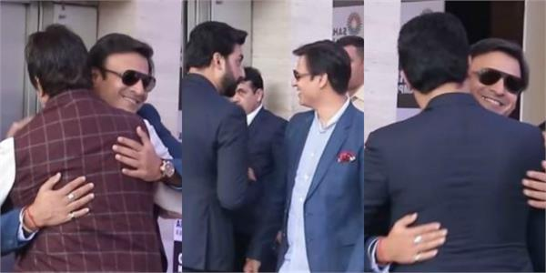 abhishek amitabh vivek oberoi forget past and hug out at an event