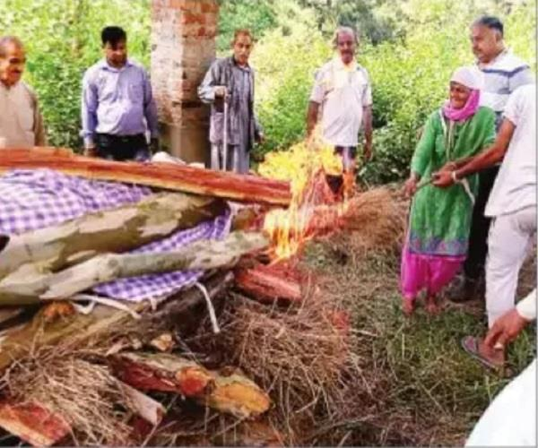 daughter fulfills son s duty father gives obituar