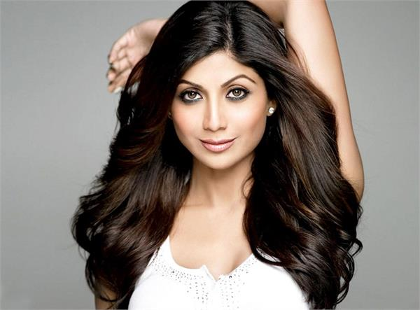 shilpa shetty follows an grandmother tips for healthy hair