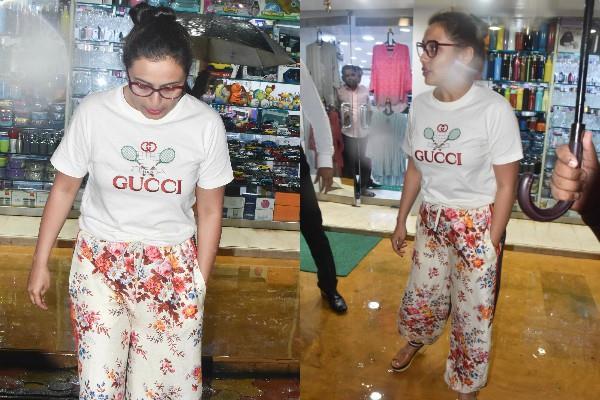 rani mukherjee spotted at store juhu