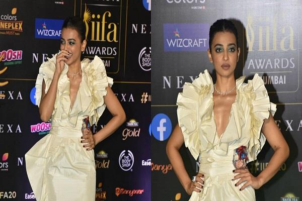 radhika apte in iifa award 2019