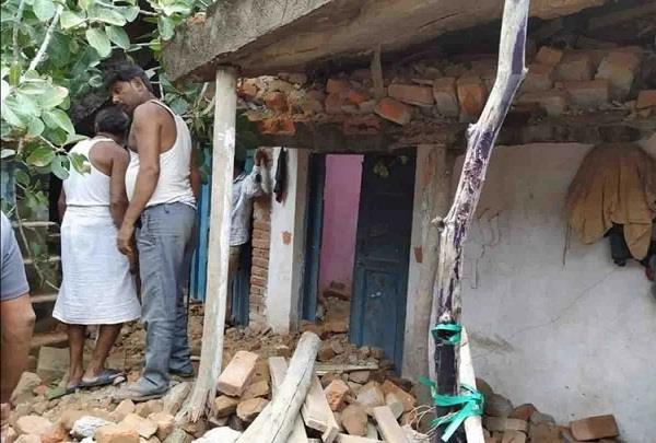 3 people including a couple died due to house collapse in mirzapur