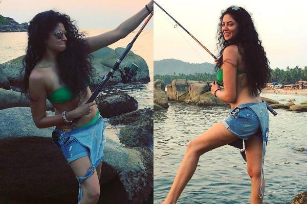 kavita kaushik looks stunning in bikini