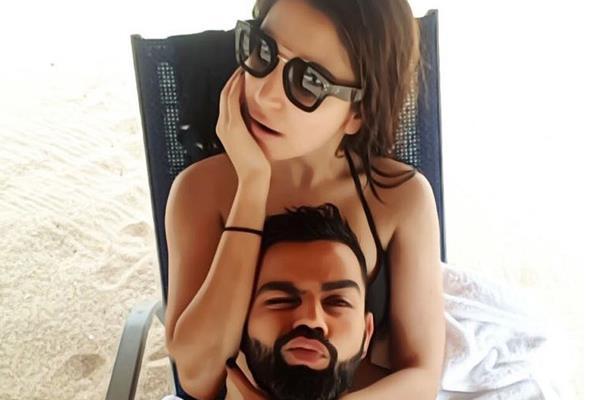 anushka sharma hottest selfie with hubby virat kohli see pictures