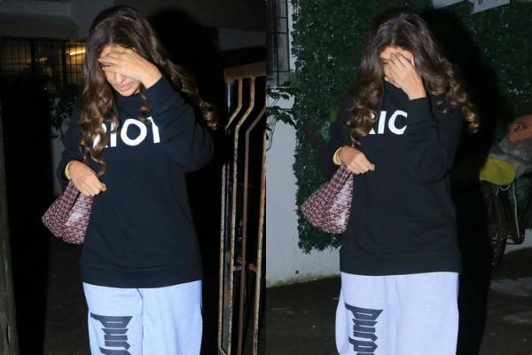 amitabh bachchan daughter shweta spotted outside saloon and hide their face