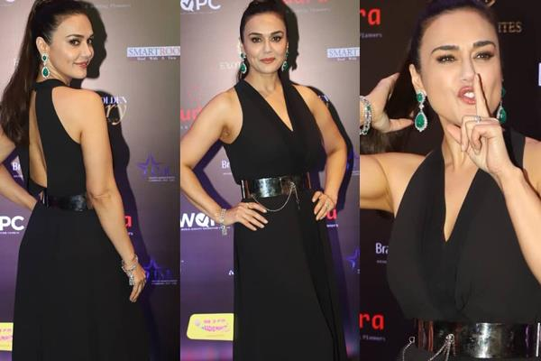 preity zinta looks glamorous in an event