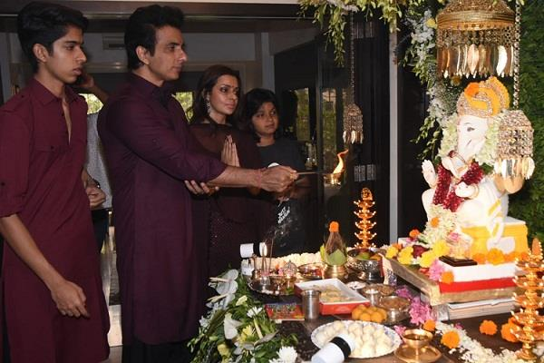 sonu sood family seen wearing same color clothes on ganesha chaturthi