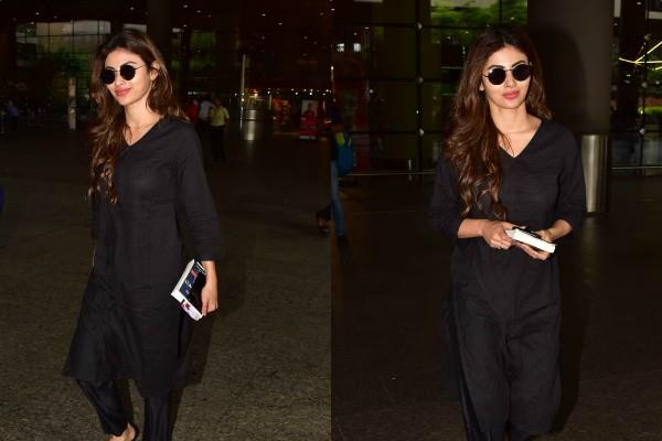 mouni roy looks gorgeous in all black look at airport