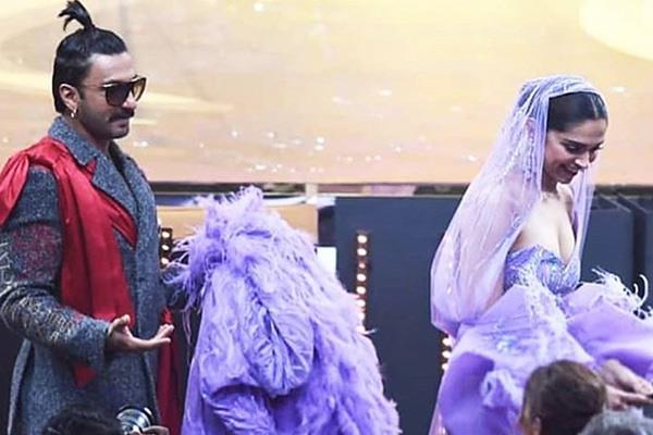 wife deepika statue in madame tussauds is the sexiest of all ranveer singh