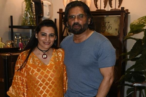sunil shetty gives competition to today s actor in terms of fitness