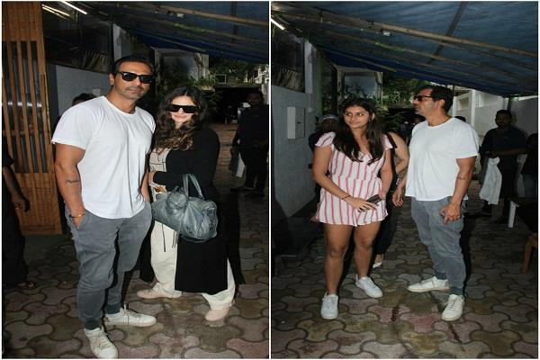 arjun rampal spotted in bandra with girlfriend and daughter