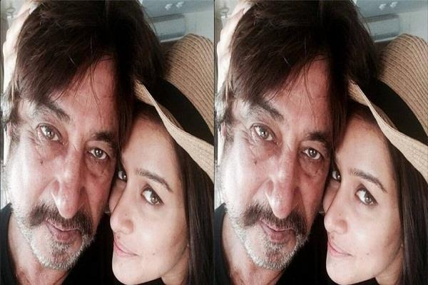 shraddha kapoor shares a loving post for daddy shakti kapoor