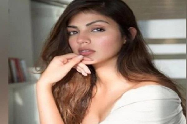 rhea chakraborty files complaint against neighbour dimple thawani