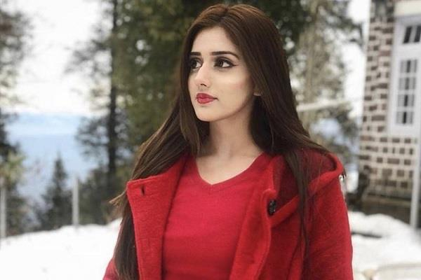 social media star jannat mirza left pakistan