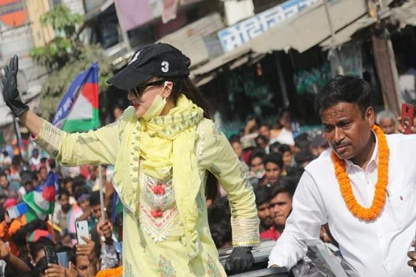amisha made serious allegations against ljp candidate after campaigning in bihar