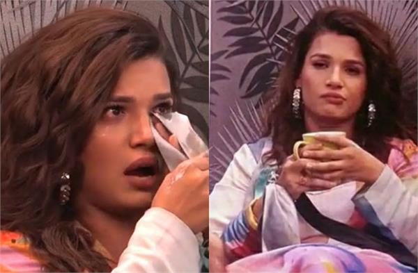 bigg boss warned naina singh fans gets angry over makers