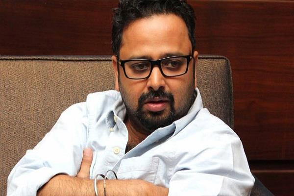 director nikkhil advani tests corona positive